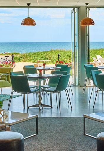 Dining area overlooking ocean